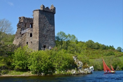 Pathfinder_at_urquhart_castle_